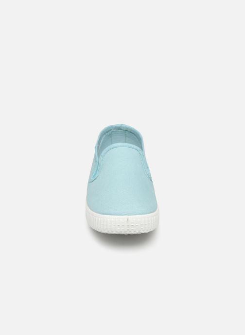 Sneakers Cienta Paulo Azzurro modello indossato