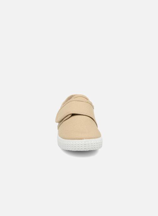 Baskets Cienta Julio Beige vue portées chaussures