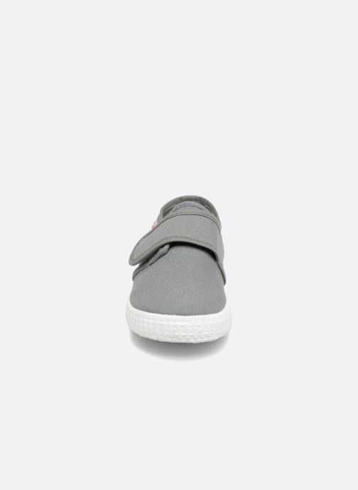 Sneakers Cienta Julio Grijs model