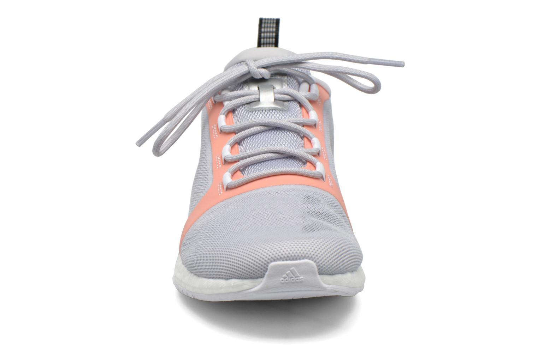 Chaussures de sport Adidas Performance PureBOOST X TR 2 Gris vue portées chaussures