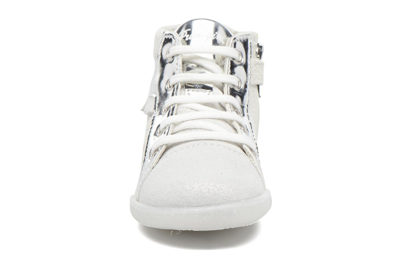 Scarpe con lacci Primigi Camelia Bianco modello indossato