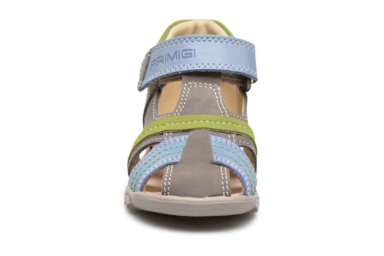 Sandali e scarpe aperte Primigi Folco Grigio modello indossato