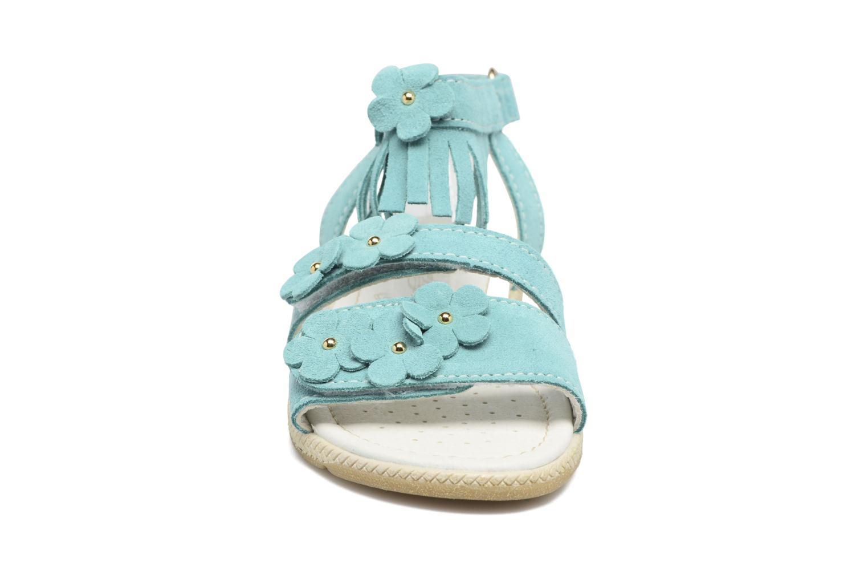 Sandali e scarpe aperte Primigi Olivia Verde modello indossato