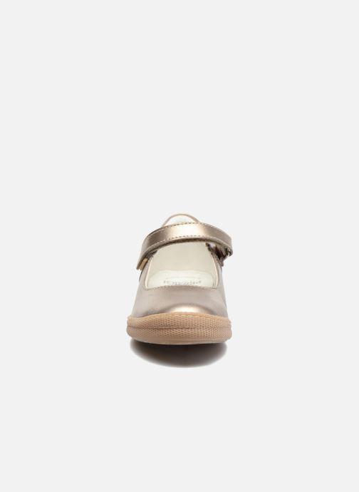 Ballerines Primigi Classica Or et bronze vue portées chaussures
