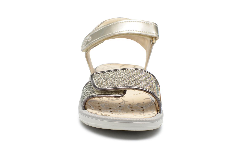 Sandali e scarpe aperte Primigi Diana Oro e bronzo modello indossato