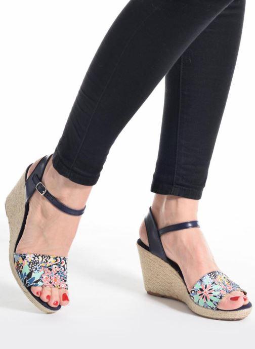 Sandalen Pare Gabia Marina blau ansicht von unten / tasche getragen