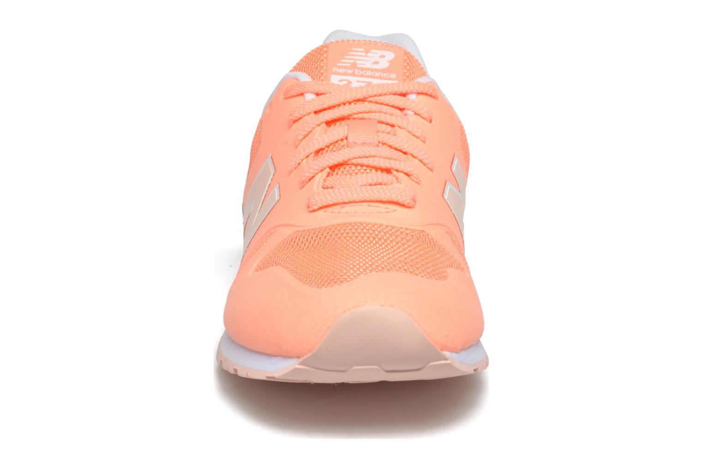 Baskets New Balance KD373 J Orange vue portées chaussures