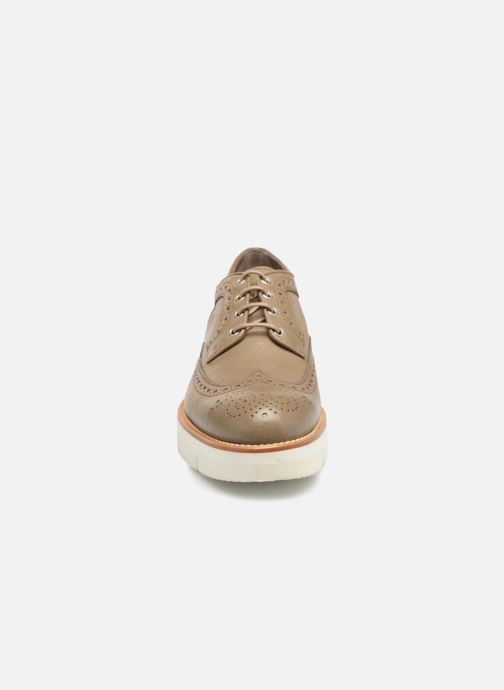 Zapatos con cordones Santoni Siby 55519 Gris vista del modelo