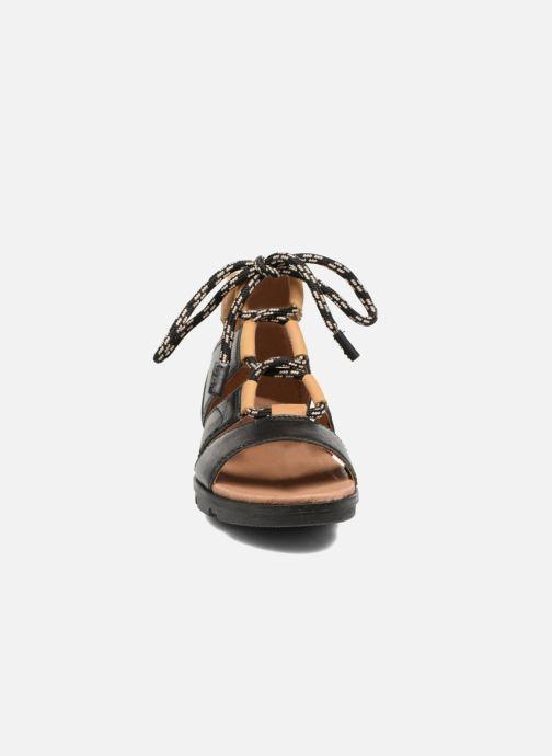 Sandalen Sorel Torpeda lace II schwarz schuhe getragen