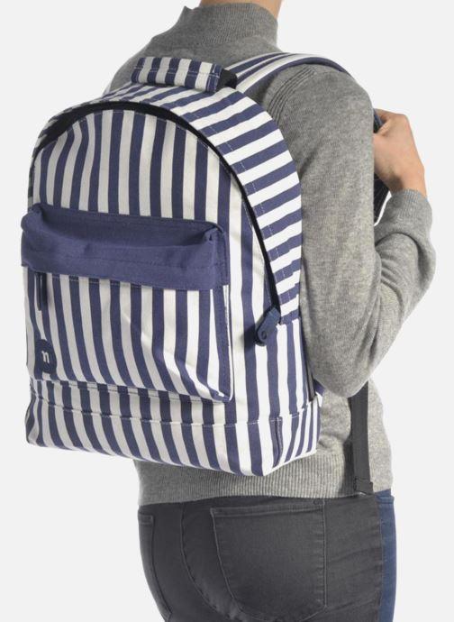 Rucksäcke Mi-Pac Premium Seaside Stripe Backpack blau ansicht von unten / tasche getragen