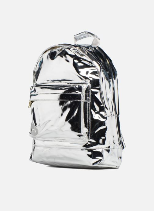 Mochilas Mi-Pac Gold Backpack Plateado vista del modelo