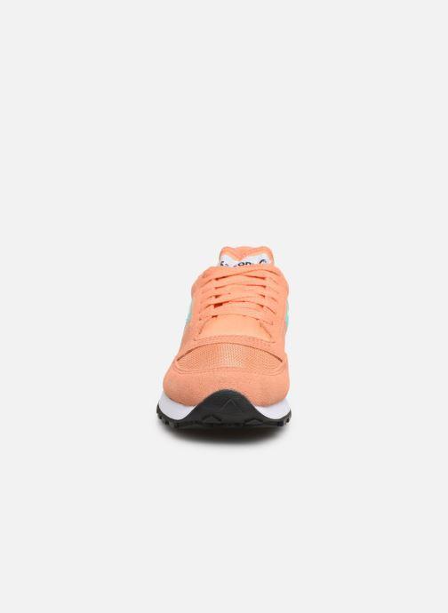 Baskets Saucony Jazz Original Vintage W Orange vue portées chaussures