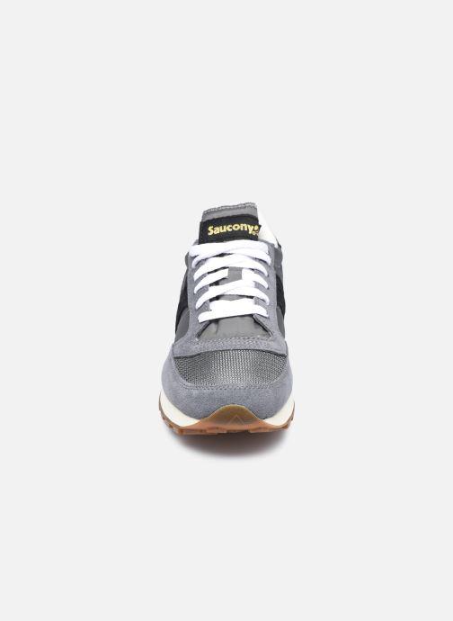 Sneakers Saucony Jazz Original Vintage W Grigio modello indossato