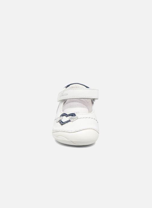 Ballerines Chicco Daria Blanc vue portées chaussures