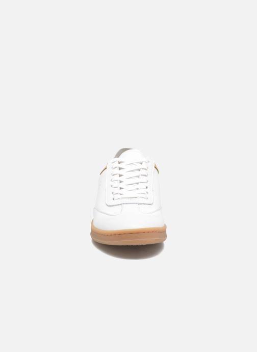 Baskets M. Moustache Roger Blanc vue portées chaussures