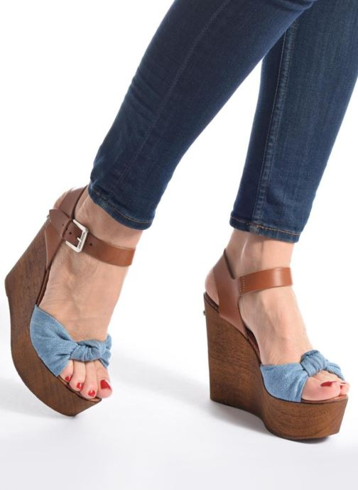 Guess Betta Blue pieds Et Nu Sandales Light wvN0m8n