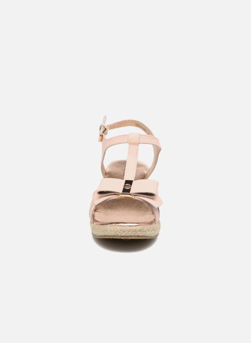 Sandali e scarpe aperte Michael Michael Kors Zia-Cate Alexa Rosa modello indossato