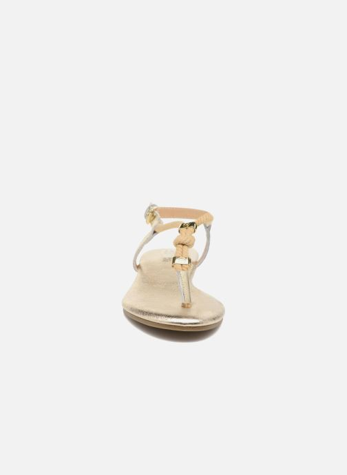 Sandali e scarpe aperte Michael Michael Kors Zia-Demi Holly Oro e bronzo modello indossato