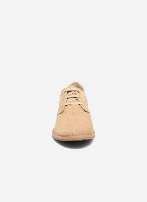 Lace-up shoes Hush Puppies Aiden Beige model view