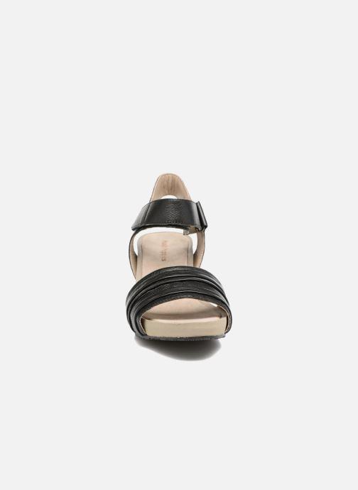 Sandales et nu-pieds Hush Puppies Eivee Noir vue portées chaussures