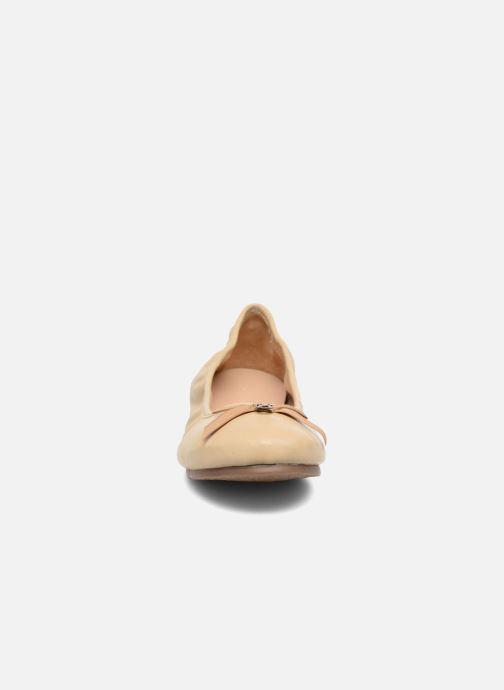 Ballerines Hush Puppies Lilas Beige vue portées chaussures