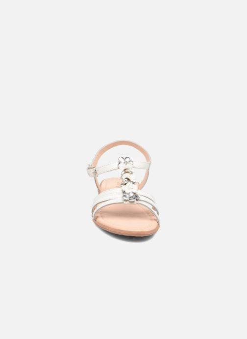 Sandales et nu-pieds Conguitos Eugenia Blanc vue portées chaussures