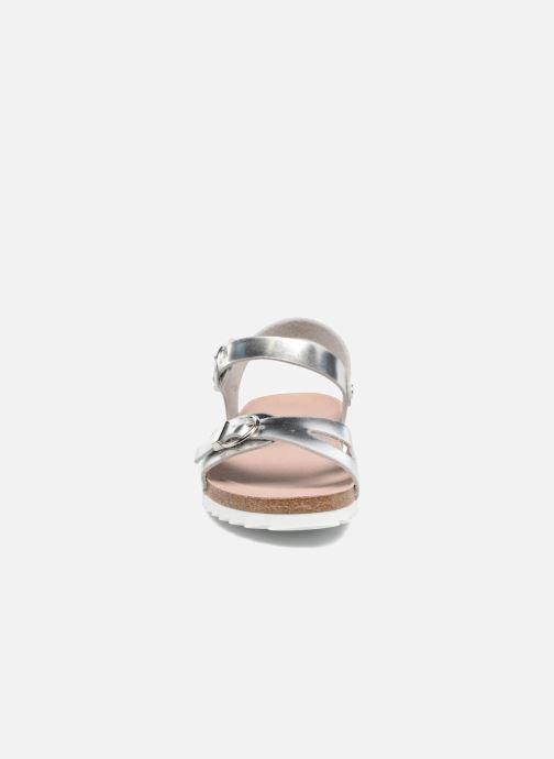 Sandali e scarpe aperte Fresas by Conguitos Claudia Argento modello indossato