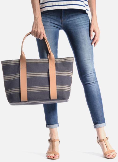Handtaschen Clarks TASMIN BELLA Cabas textile blau ansicht von unten / tasche getragen
