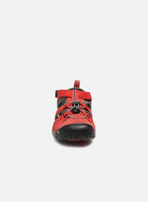 Sandali e scarpe aperte Keen Seacamp ll CNX Rosso modello indossato