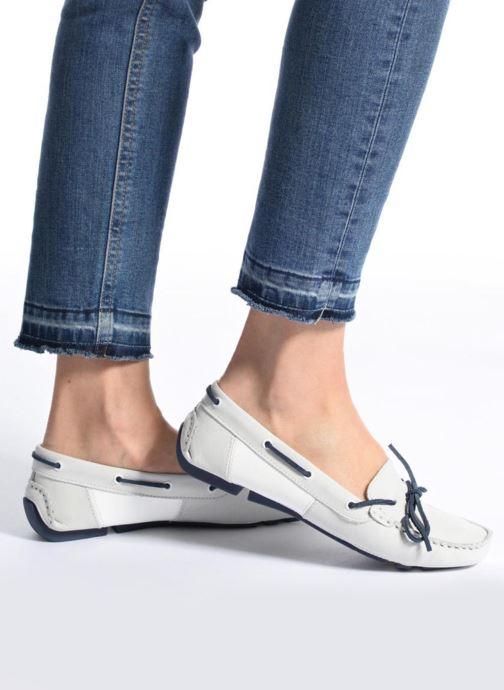 Chaussures à lacets TBS Bettsy Blanc vue bas / vue portée sac