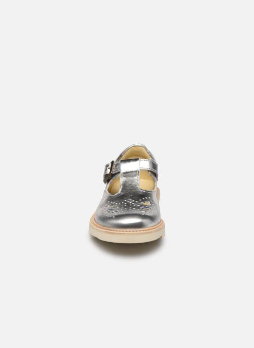 Sandales et nu-pieds Young Soles Rosie Argent vue portées chaussures