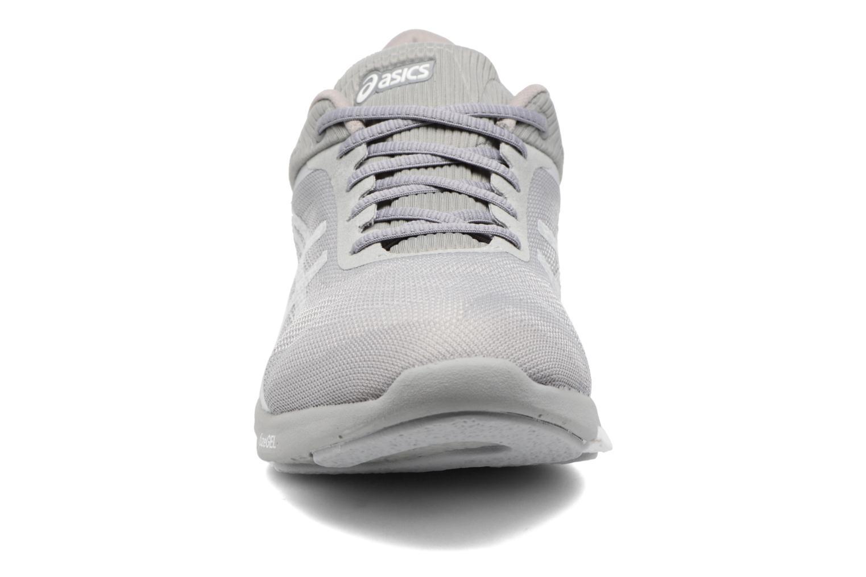 Chaussures de sport Asics Fuzex Rush W Gris vue portées chaussures