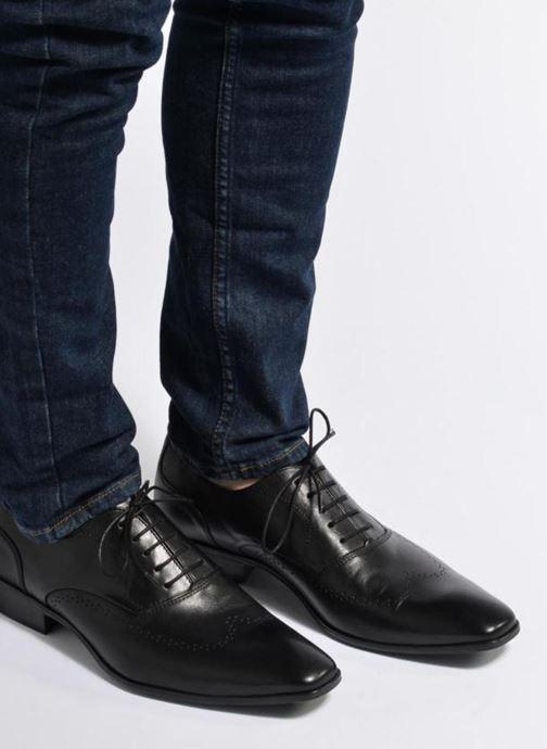 Chaussures à lacets Marvin&Co Romford Noir vue bas / vue portée sac