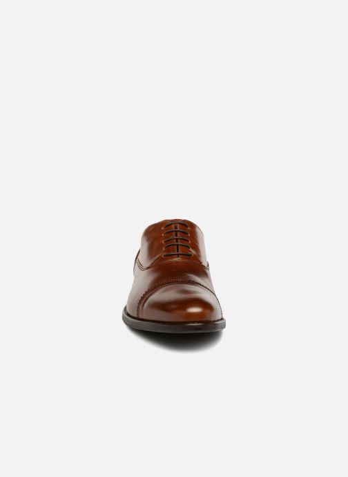 Scarpe con lacci Marvin&Co Richmond Marrone modello indossato