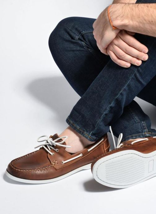 Lace-up shoes Marvin&co Satingh Brown view from underneath / model view