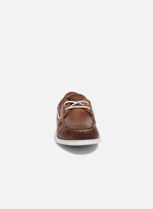 Zapatos con cordones Marvin&Co Satingh Marrón vista del modelo