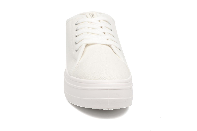 Sneakers ONLY Sarina Plain Sneaker Bianco modello indossato