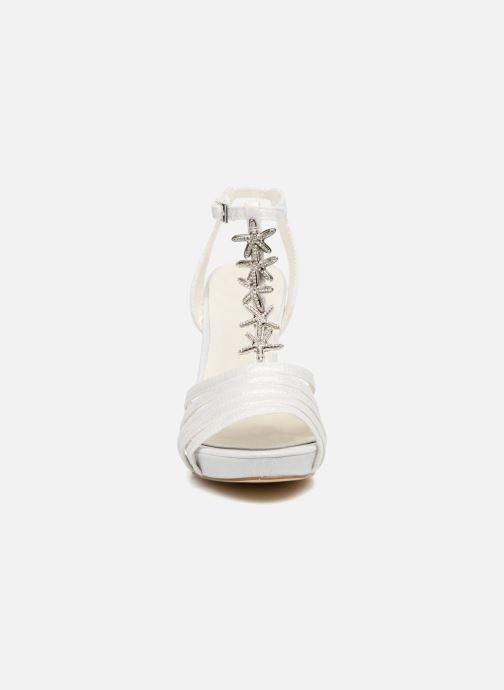 Sandales et nu-pieds Menbur JENNIFER Blanc vue portées chaussures