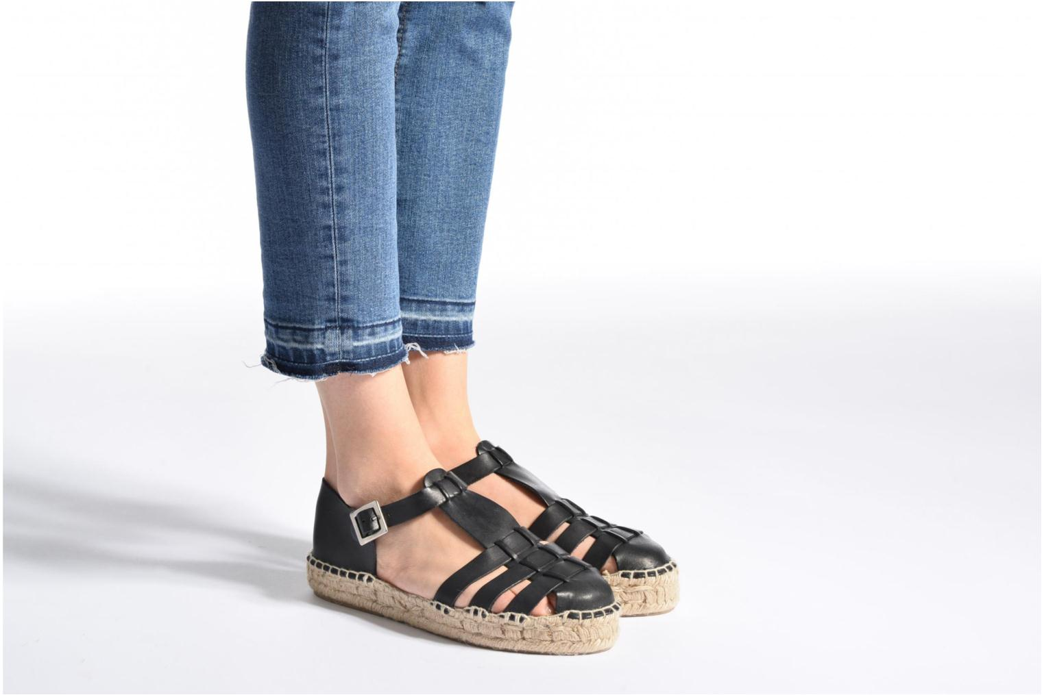 Sandals Anaki Jeri Black view from underneath / model view