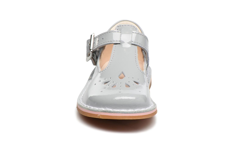 Ballerines Clarks Yarn Weave Fst Gris vue portées chaussures