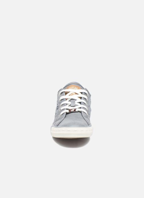 Baskets Mustang shoes Axmon Bleu vue portées chaussures