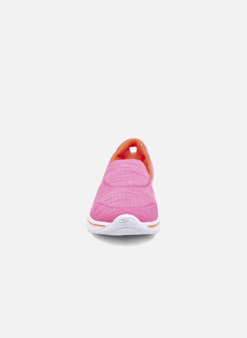 Baskets Skechers Go Walk 4 Speedy Sports Rose vue portées chaussures