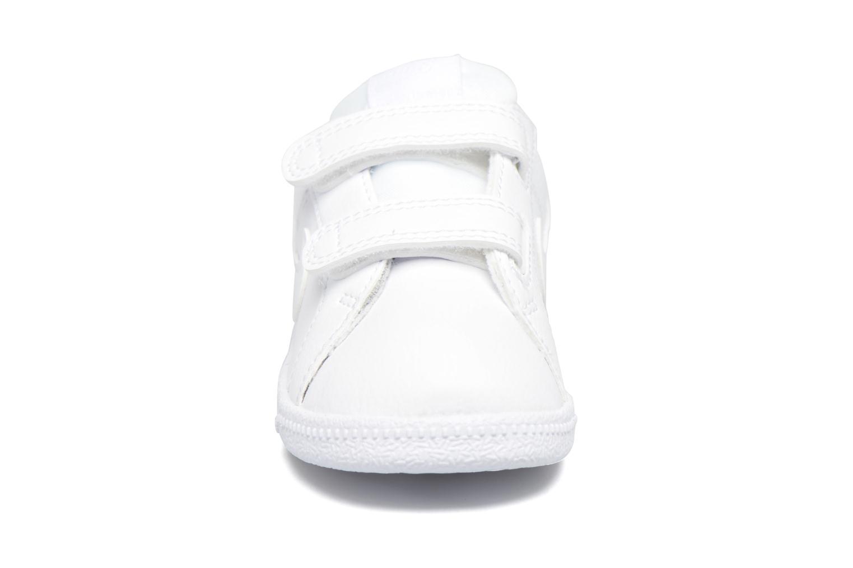 Deportivas Nike Nike Court Royale (Tdv) Blanco vista del modelo