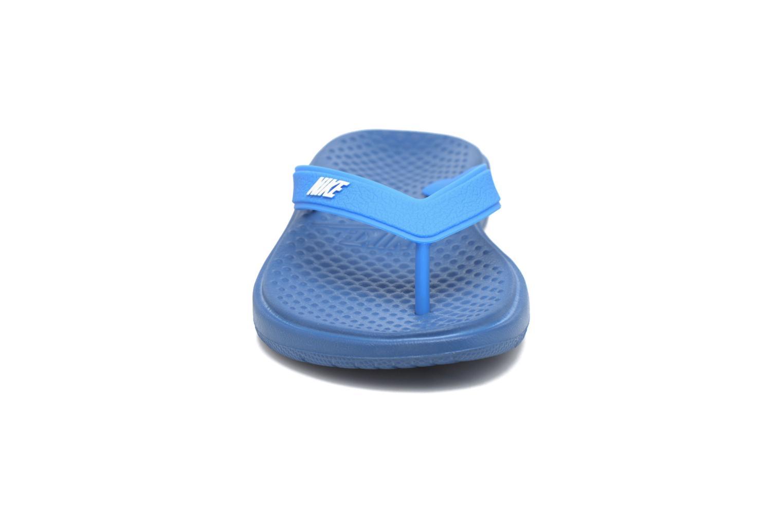 Tongs Nike Nike Solay Thong (Gs/Ps) Bleu vue portées chaussures