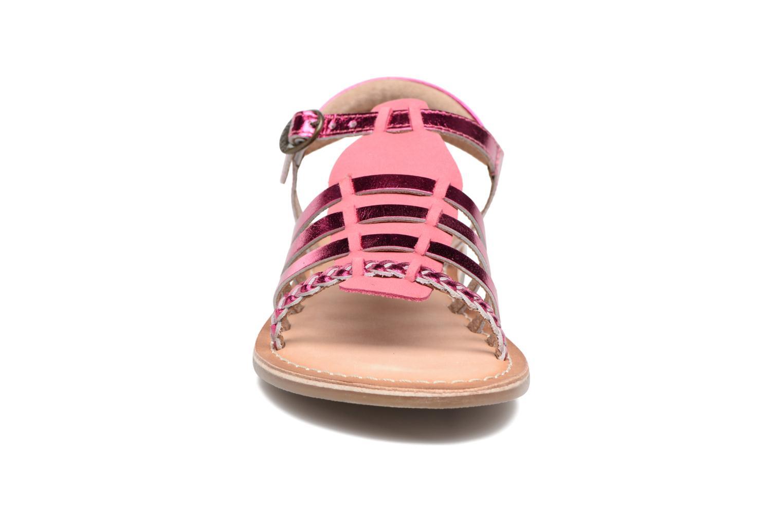 Sandales et nu-pieds Kickers Diwen Rose vue portées chaussures