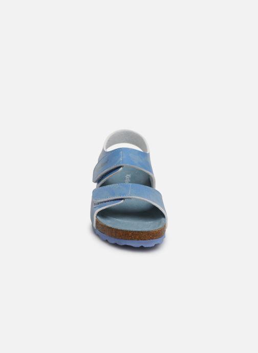 Sandalias Kickers Summerkro Azul vista del modelo