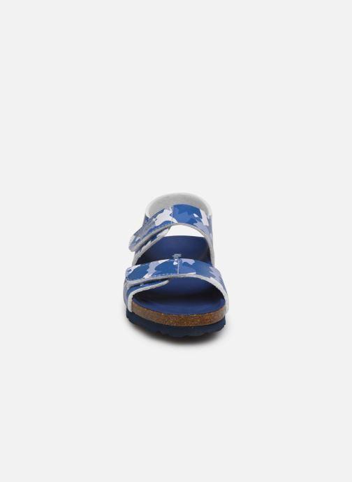 Sandales et nu-pieds Kickers Summerkro Bleu vue portées chaussures