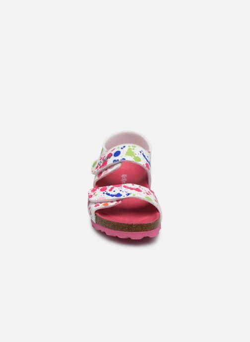 Sandali e scarpe aperte Kickers Summerkro Bianco modello indossato