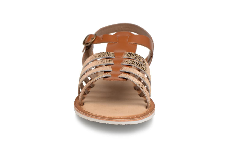 Sandaler Kickers Sparta Brun bild av skorna på