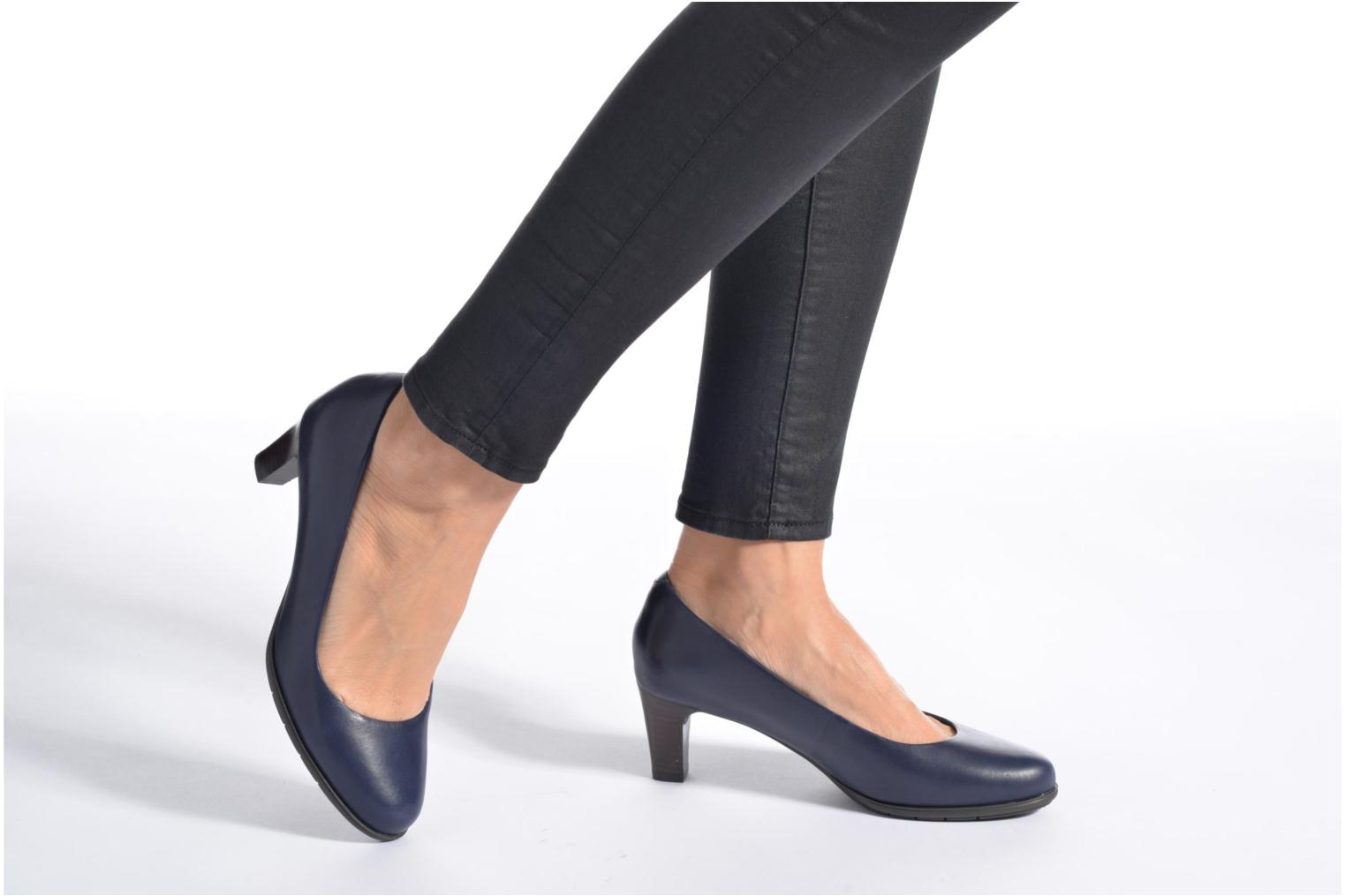 High heels Rockport Melora Plain Pump Black view from underneath / model view